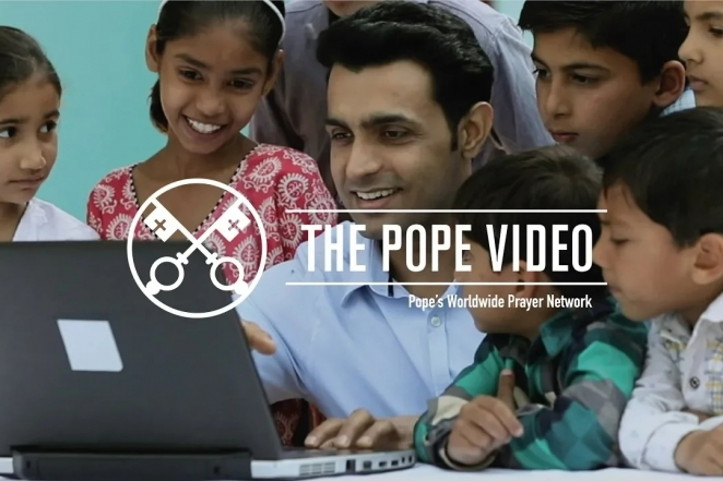 Social Networks - The Pope Video - June 2018